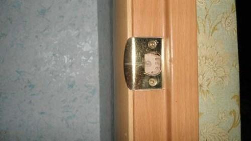Врезной замок с ручкой для межкомнатной двери