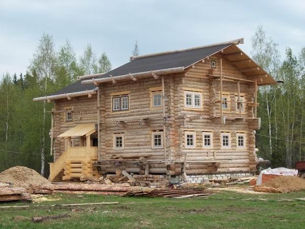 бревенчатый дом в два этажа в Туле
