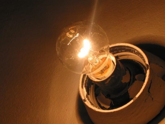 Причины мерцания света в квартире