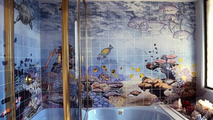 Панно из плитки в интерьере ванной комнаты