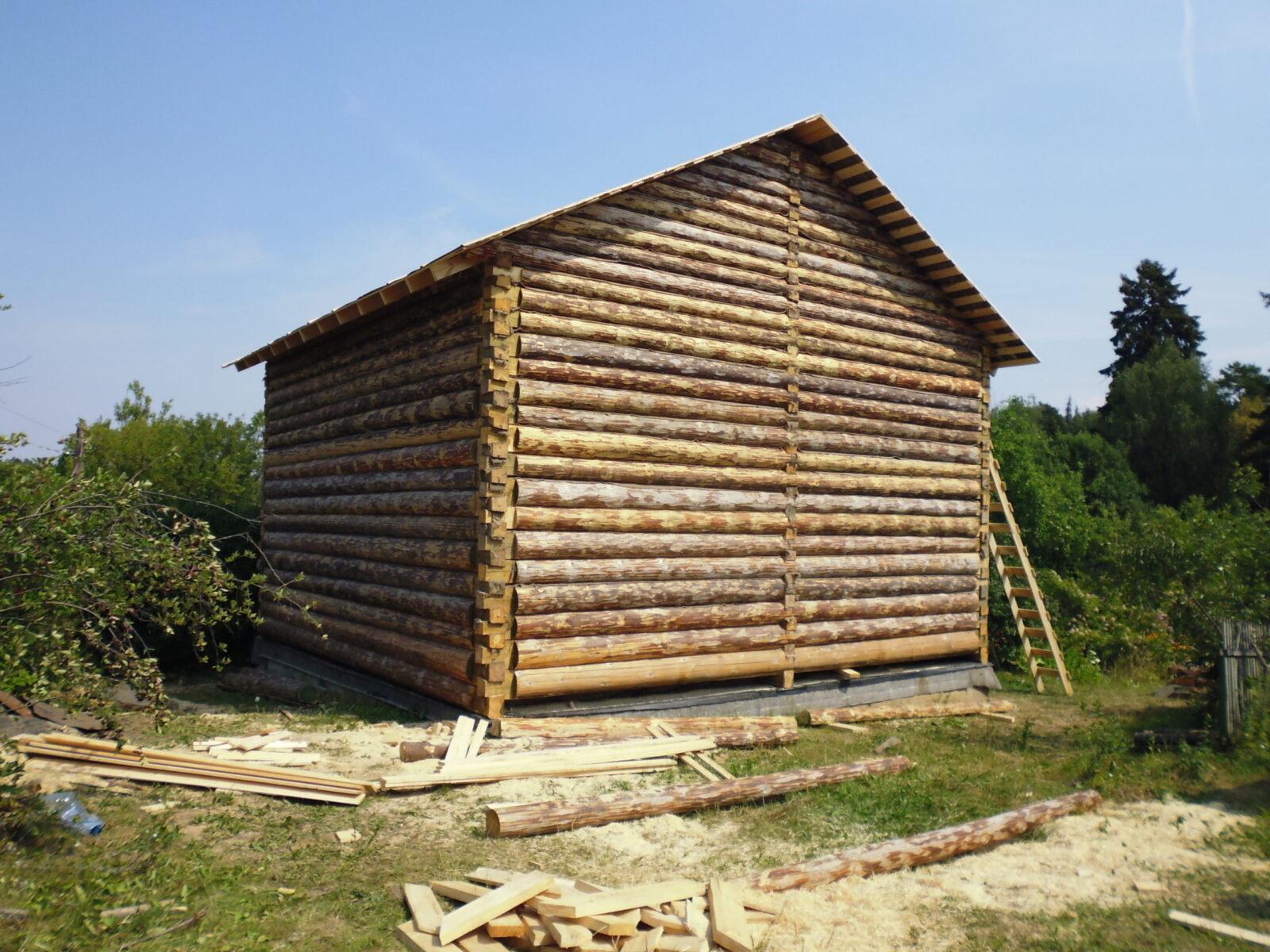 деревянный дом 9*12 метра в лапу, установленный в Клину