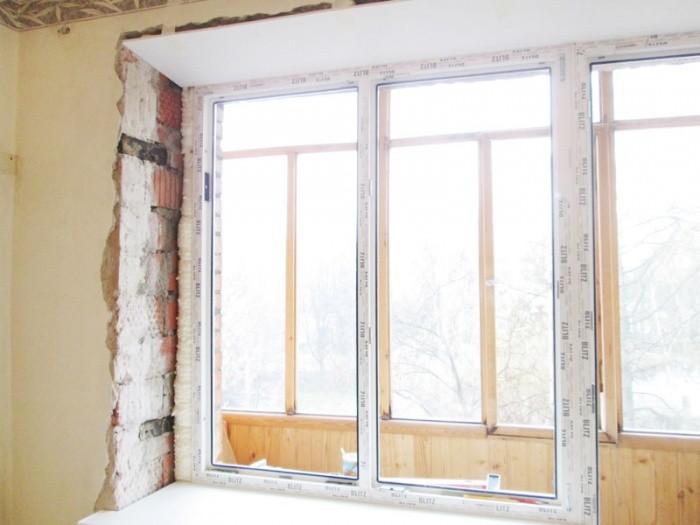 Как правильно установить окно в кирпичном доме