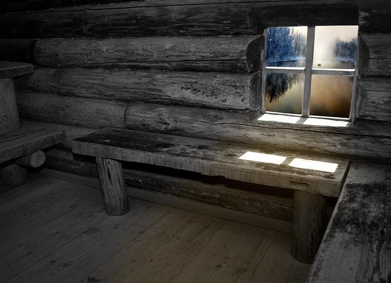 бревенчатая баня по черному с окном