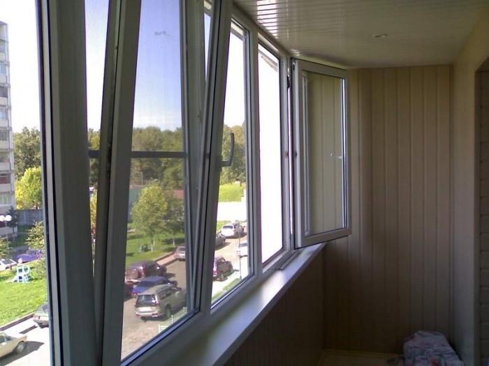 Как и чем застеклить балкон
