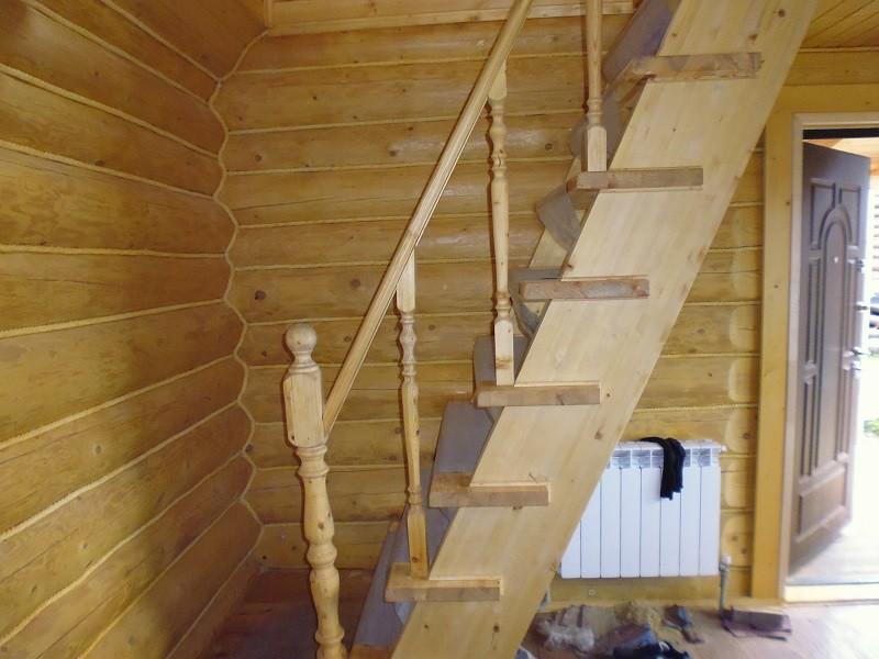 изготовление лестницы в срубе